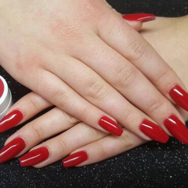 Nageldesign - klassisch rot